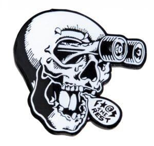 przypinka independent Accessories FTR Skull Pin Black White